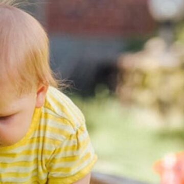 Kako zaščititi otroško kožo v toplih mesecih